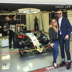 El elegante Juanchi Torre Hütt acompañado por su esposa en la #F1México. #HLAmbassadors