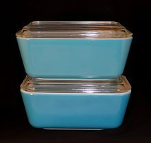 Pair Pyrex Vintage Blue Refrigerator Dish 4 Piece Set Containers With Ribbed Glass Lids