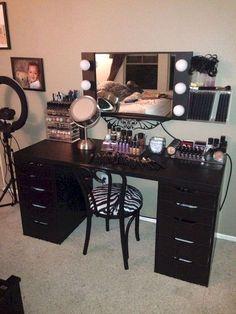 #BeautyStorage #MakeUpStations #MakeupRoom Black Makeup Vanity With Lights, Vanity Desk With Lights, Black Vanity Desk, Mirrored Vanity Desk, Makeup Vanity Lighting, Makeup Table Vanity, Black Desk, Vanity Tables, Vanity Ideas