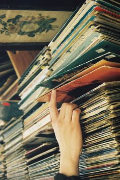 Vinyl I used to have close to 700 lps. I sold and lost the rest in a housefire. Lps, Music Is Life, My Music, Vinyl Music, Dream Music, Music Mix, Listening To Music, Pub Radio, Lobe Den Herrn