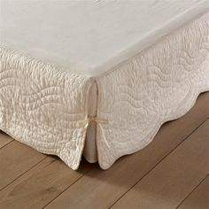 Add a touch of quality to your bedroom with this sophisticated quilted valance.La Redoute, French Style Made EasyFor beautiful French-inspired interiors, discover La Redoute homeware. Ruffle Bedding, Quilt Bedding, Linen Bedding, Bed Valance, Rideaux Design, Sofa Covers, Cotton Quilts, Home Textile, Slipcovers