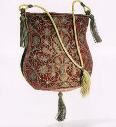 Velvet bag with silver thread embroidery, 17th century.