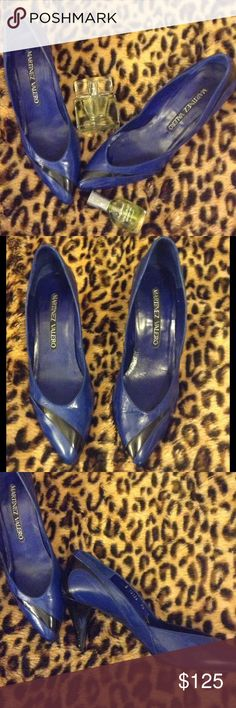 🆕 VINTAGE MARTINEZ VALERO LEATHER Pumps Vintage 80's-90's Blue and Black Leather High Heel Pumps; Size 7.5; in great Vintage condition. Heel measures 3 inches. ☘PLEASE READ CLOSET POLICIES PRIOR TO PURCHASE☘ Vintage Shoes Heels