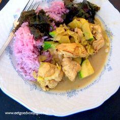 Deze kleurrijke Balinese kip curry met extra veel groente en heerlijke specerijen zal gegarandeerd een nieuwe familie favoriet worden.