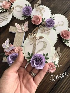 Waiting on hurricane Dorian to make up its mind . but we are all prepared just in case! Hoping we just get some winds and rain showers but nothing major 🙏🏼⛈💦 1st Birthday Party For Girls, Birthday Photo Banner, 1st Birthday Photos, Diy Birthday, Paper Flowers Craft, Flower Crafts, Paper Crafts, Diy Cake Topper, Birthday Cake Toppers
