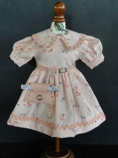 http://www.georgettebravot.com/contents/fr/p1846_robe_pour_poupee_bleuette.html