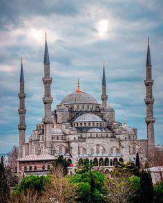Istanbul Travel, Hagia Sophia, Cappadocia, Middle East, Islamic, Taj Mahal, Beautiful Places, Architecture, Building