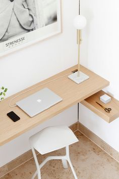 If you are one who works at home or remotely, then the presence of home office alias work space at home is a need worthy to consider. By having your own work space in your home, then you will feel … Home Office Space, Home Office Design, Home Office Decor, Office Designs, Wooden Wall Shelves, Floating Shelves, Workspace Design, Small Workspace, Bookshelf Design