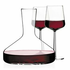 iittala Citterio Decanter  	  The iittala Citterio Decanter allows the wine to breathe and ignites the ruby-red brilliance of a vintage wine. Citterio and Nguyen have created an elegant decanter with every element reduced to its purest, most essential functional purpose. This pure and well-balanced decanter stands perfectly together with our various wine glasses.