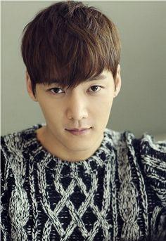 Happy Birthday to Choi Jin Hyuk! He's gone on military service next month! Besides his amazing looks, of course! Choi Jin Hyuk, Gong Hyo Jin, Hong Jong Hyun, Lee Jong Suk, Asian Actors, Korean Actors, Kwon Sang Woo, Fated To Love You, Emergency Couple