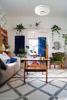 valaisin,lamppu,olohuoneen valaisin,olohuoneen lamppu,matto