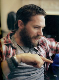tom hardy interviewed & photographed by sarah j. edwards for blag magazine vol.3 nø.3 edition.