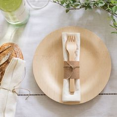 bambu home Disposable Dinnerware plates, package of 8 All Occasion Veneerware® Bamboo Plates, Round Bamboo Plates Wedding, Disposable Wedding Plates, Deco Baby Shower, Food Truck Wedding, Palm Leaf Plates, Bamboo Table, Wedding Place Settings, Wooden Plates, Party Plates