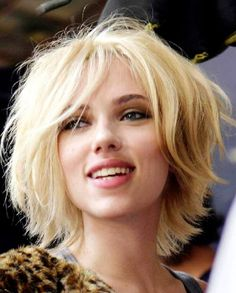 Scarlett Johansson Messy Style Short Hair Cut THIS!!! THIS IS WHAT I WANT TO DO TO MY HAIR!!!