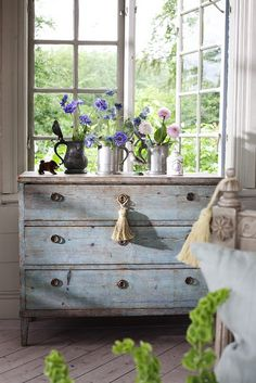 Laurel Bern, an interior designer in Westchester County, NY shares her love of Gustavian Swedish Style furnishings, decor and muted tone on tone colors. Distressed Furniture, Shabby Chic Furniture, Shabby Chic Decor, Painted Furniture, Distressed Dresser, Rustic Dresser, Rustic Furniture, Diy Furniture, Dresser Furniture