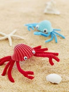 Crafts for Kids Fab Crabs: Turn beachcombed finds into shoreline critters that'll help keep vacation memories alive.Fab Crabs: Turn beachcombed finds into shoreline critters that'll help keep vacation memories alive. Summer Crafts For Kids, Summer Kids, Projects For Kids, Diy For Kids, Kids Fun, Arts And Crafts For Children, Craft Projects, Summer Beach, Ocean Crafts