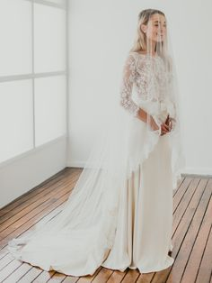 Lacy detail vintage wedding dress