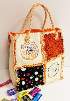 Free project instructions to make an embroidered rag quilt trick-or-treat tote