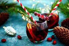 Whether you fancy peppermint syrup with your Baileys Chocolat Luxe, spiced apple cider or cinnamon added to your Patron Silver tequila, this list has something for you. If your holiday travels … Spiced Apple Cider, Spiced Apples, Holiday Cocktails, Holiday Parties, Holiday Fun, Holiday Ideas, Rustic Platters, Patron Silver Tequila, Saint Sylvestre