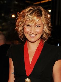 short hair. I love the loose curls, I wish I wish I wish I could do this.....