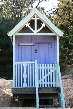 beachcomber beach hut norfolk uk