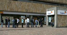 Usuarios de Bancolombia indignados por mal servicio | Semana.com Pet Peeves, Social Networks, News