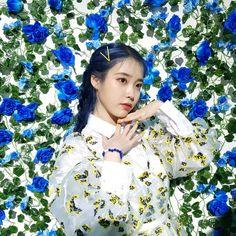Pin Image by Girlnesia Korean Actresses, Looking Stunning, K Idols, Korean Singer, Album Covers, Korean Girl, Kpop Girls, Girl Group, My Girl