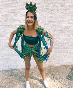 Costume Pro Carnival 2018 – DIY peacock costume, carnival costume, c. Carnival Dress, Carnival Costumes, Diy Carnival, Carnival Fantasy, Brazil Carnival, Carnival Food, Carnival Makeup, Cute Halloween Costumes, Cool Costumes