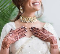 Explore Best Mehendi Designs and share with your friends. It's simple Mehendi Designs which can be easy to use. Find more Mehndi Designs , Simple Mehendi Designs, Pakistani Mehendi Designs, Arabic Mehendi Designs here. Easy Mehndi Designs, Latest Mehndi Designs, Mehndi Designs For Girls, Mehndi Design Pictures, Wedding Mehndi Designs, Dulhan Mehndi Designs, Beautiful Henna Designs, Floral Henna Designs, Wedding Henna