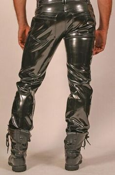 Pvc Trousers, Latex Pants, Mode Latex, Latex Men, Mens Leather Pants, Country Wear, Leder Outfits, Young Fashion, Sexy Men
