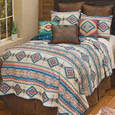 Western Furniture, Furniture Decor, Southwest Bedroom, Western Bedding Sets, Quilt Sets Queen, Black Forest Decor, Leather Pillow, Rustic Lamps, Western Homes
