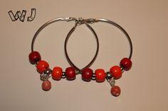 Orecchini con perle in legno, argento e corallo