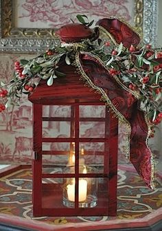 Ana Rosa - reminds me of the English call boxes Christmas Lanterns, Noel Christmas, Country Christmas, Winter Christmas, All Things Christmas, Christmas Decorations, Holiday Decor, Xmas, Lanterns Decor