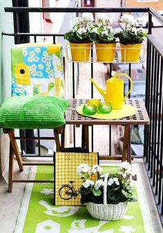 31 Cool Summer Balcony Ideas: 31 Cool Summer Balcony Ideas With Wooden Table And Black Iron Fence And Green Pillows Color Decor Small Balcony Design, Small Balcony Garden, Small Balcony Decor, Porch And Balcony, Balcony Ideas, Small Balconies, Condo Balcony, Apartment Balcony Decorating, Apartment Balconies