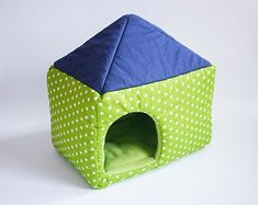 cosy cuddle house / cube XXL for up to 3 guinea pigs, hedgehogs or sugar gliders! - stars on green/lime green with dark blue roof Guinea Pig House, Guinea Pigs, Hedgehog Bedding, Hedgehog House, Guinea Pig Bedding, Blue Roof, Cuddling, Tent, Sugar Gliders
