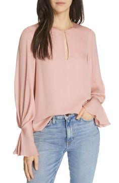 Joie Women's Abekwa Silk Chiffon Long Sleeve Pleated Cuff Pale Pink Blouse – M Silk Chiffon, Chiffon Tops, Blouses Roses, Silk Blouses, Hijab Fashion, Fashion Dresses, Emo Fashion, Mode Unique, Unique Fashion