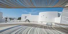 Mykonos luxury Hotel Andronikos, is built on the edge of Mykonos town. This Mykonos Boutique Hotel lies within easy reach to Mykonos town. Boutique Hotel Mykonos, Mykonos Luxury Hotels, Luxury Villa, Mykonos Greece, Beach Bars, Photo Galleries, Gallery, Building, Travel