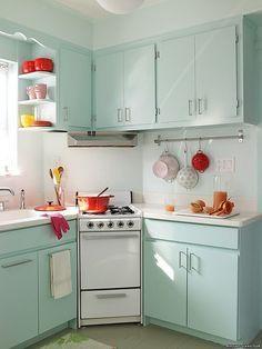 Add a touch of color! | 31 pequeños trucos en tu casa para maximizar tu espacio                                                                                                                                                      Más