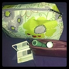 New Clinique Bundle !! Everything shown, this is a 5 pc lot:  New trio by clinique eyeshadow With large cosmetic bag And purple patent lipstick case  With 2 new lip colors in: Bamboo pink  & extreme pink   Comes with compact mirror & applicator as well. All items are new & exactly what you'd get from the department store counter !! Clinique Makeup