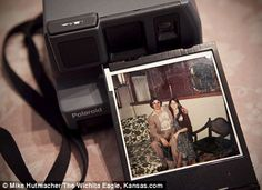 Grandson buys camera for Grandma and finds picture of her dead son/his uncle in it - Spooky!