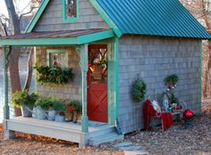 small space ~ sweet trim ~ outdoor garden space