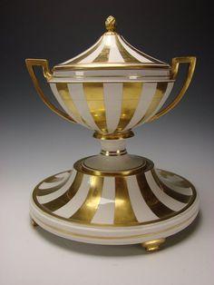 Antique Neoclassical Royal Vienna Porcelain Gilt China Urn Vase Centerpiece 1825