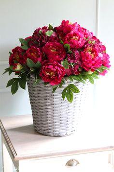 Flower Arrangements, Cottage, Vase, Box, Flowers, Home Decor, Roses, Floral Arrangements, Casa De Campo