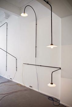 Hanging swivel lamp was designed by Fien MULLER and Hannes VAN SEVEREN. Decoration and design furniture in Paris. Design Industrial, Industrial Lighting, Cool Lighting, Interior Lighting, Lighting Design, Kitchen Lighting, Industrial Style, Deco Luminaire, Luminaire Design