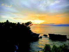 Peaceful Lake Sunset #Nature #Peaceful #Holidays #Travel #Beauty #Sunset #Relaxing #Vacation #Traveling #Travelling #Landscape #Boats #KhyatiTaneja
