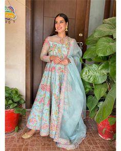 Click on Visit for Video - Full Video on Youtube Pakistani Dress Design, Pakistani Dresses, Indian Designer Outfits, Designer Dresses, Iqra Aziz, Eid Dresses, Ethnic Outfits, Pakistani Actress, Celebs