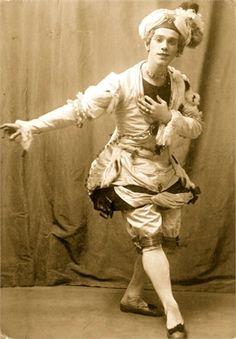"Vaslav Nijinsky 1909  Balletto ""Pavillon d'Armide""  ©Getty Images (vogue.it)"