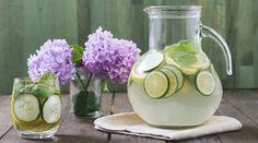 Wer hätte gedacht, dass Gurkenwasser so ein Beauty-Booster sein kann?! So bereitest du es vor: