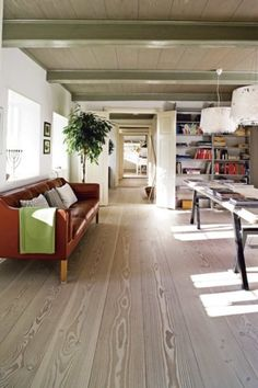 flooring   so brightness of room, it is oak engineered flooring , big size,very nice. european style,right?