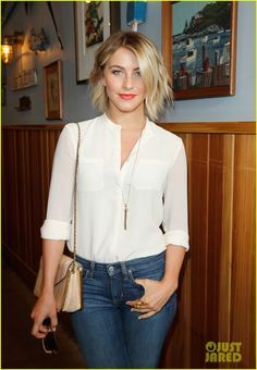Beachy waves on short hair + poppy colored lips.